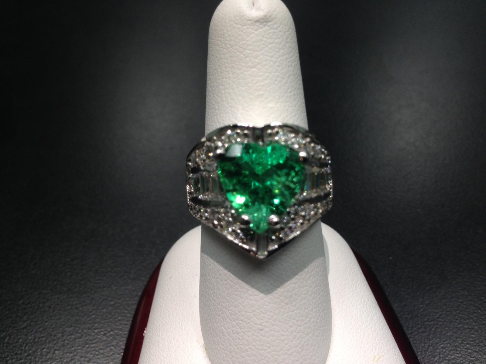 14ktwg rare heart shaped emerald diamond ring leiva s jewelry